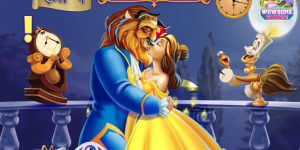 Spiel - Beauty and the Beast Kissing